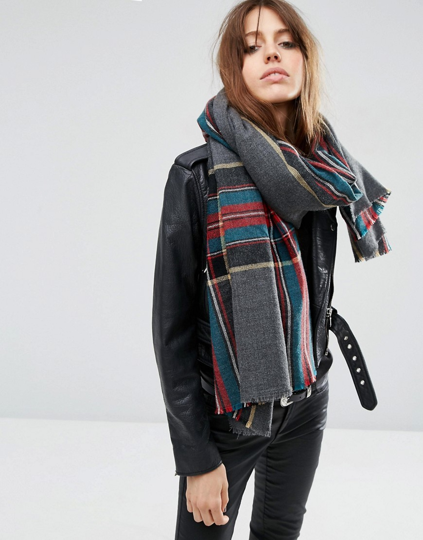 Oversized Lightweight Scarf In Grey Border Tartan Grey - secondary colour: teal; predominant colour: charcoal; occasions: casual; type of pattern: standard; style: regular; size: large; material: knits; pattern: checked/gingham; multicoloured: multicoloured; season: a/w 2016; wardrobe: highlight