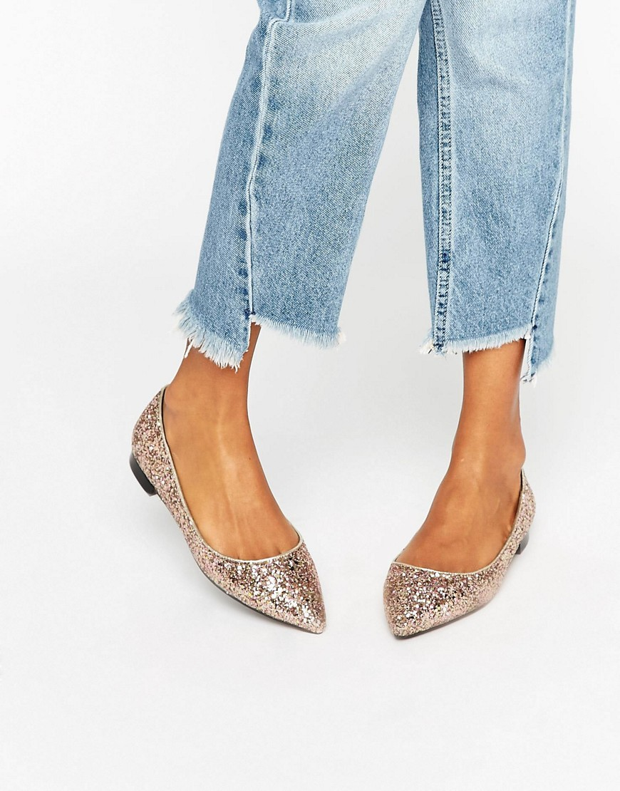 Lost Pointed Ballet Flats Glitter - predominant colour: gold; occasions: casual, creative work; material: fabric; heel height: flat; embellishment: glitter; toe: pointed toe; style: ballerinas / pumps; finish: metallic; pattern: plain; wardrobe: basic; season: a/w 2016