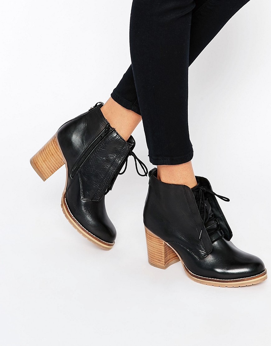 Lace Up Leather Mid Heeled Ankle Boots Black - predominant colour: black; occasions: casual, work, creative work; material: leather; heel height: high; heel: block; toe: round toe; boot length: ankle boot; finish: plain; pattern: plain; style: lace ups; season: a/w 2016; wardrobe: highlight