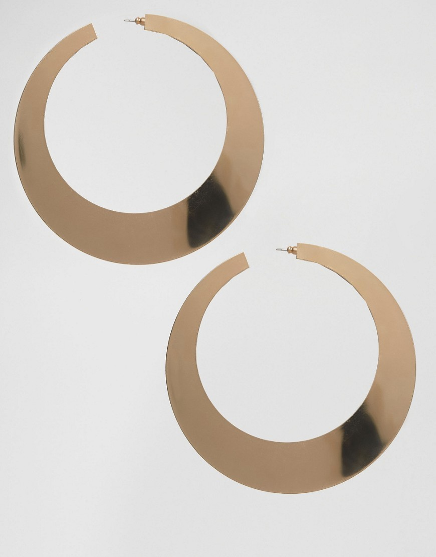 Night Sleek Hoop Earrings Gold - predominant colour: gold; occasions: evening; style: hoop; length: long; size: standard; material: chain/metal; fastening: pierced; finish: metallic; season: a/w 2016; wardrobe: event