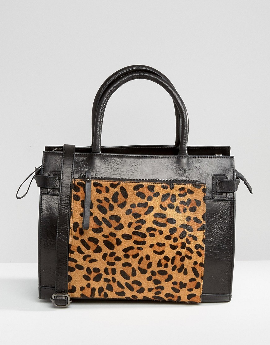 Leather Tote Bag With Leopard Front Pocket Black / Leopard - predominant colour: black; occasions: casual, creative work; type of pattern: heavy; style: tote; length: handle; size: standard; material: leather; pattern: animal print; finish: plain; season: a/w 2016