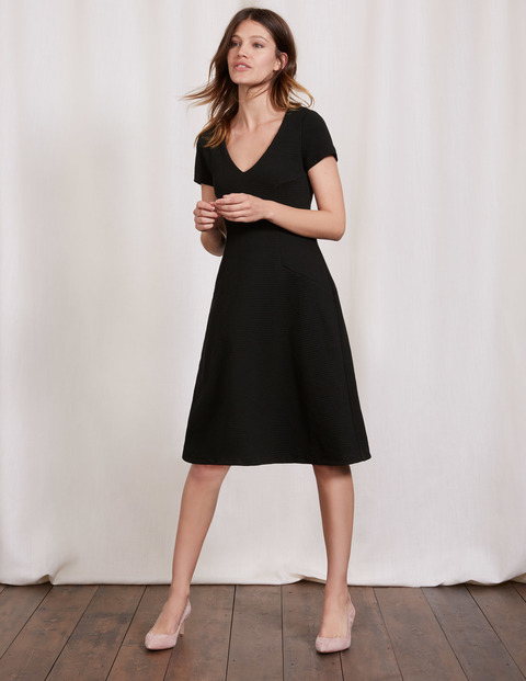 Melanie Jersey Dress Black Women, Black - neckline: v-neck; pattern: plain; predominant colour: black; occasions: evening; length: on the knee; fit: fitted at waist & bust; style: fit & flare; fibres: polyester/polyamide - stretch; sleeve length: short sleeve; sleeve style: standard; pattern type: fabric; texture group: jersey - stretchy/drapey; season: a/w 2016; wardrobe: event