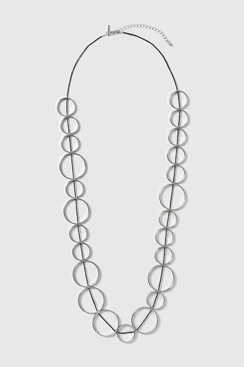 Circle Linked Necklace - predominant colour: silver; secondary colour: black; occasions: evening; length: mid; size: large/oversized; material: chain/metal; finish: metallic; style: chain (no pendant); season: a/w 2016; wardrobe: event