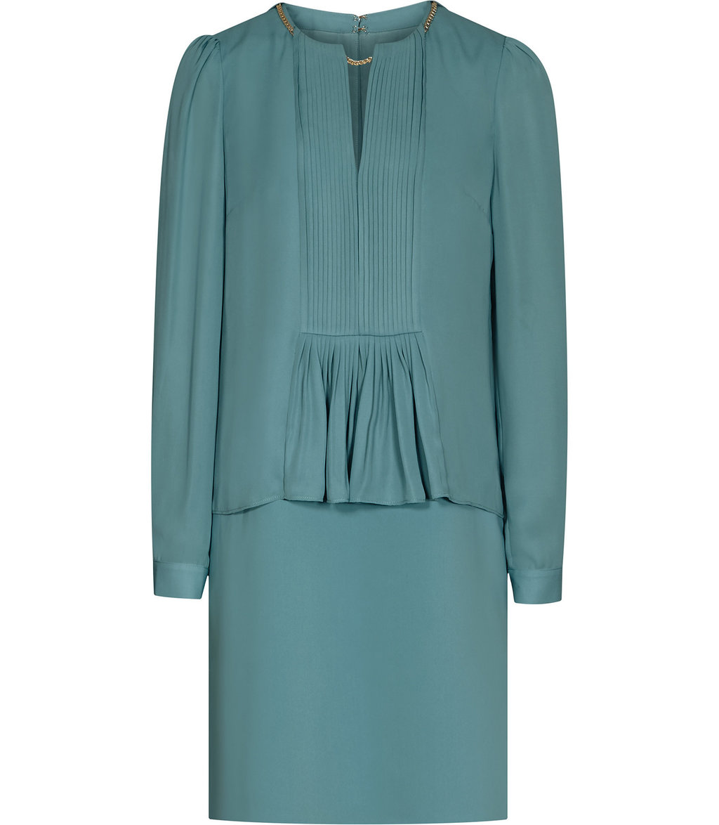 Daze Womens Chain Detail Dress In Green - style: shift; neckline: v-neck; fit: tailored/fitted; pattern: plain; waist detail: peplum waist detail; predominant colour: pistachio; occasions: evening; length: just above the knee; fibres: polyester/polyamide - 100%; sleeve length: long sleeve; sleeve style: standard; pattern type: fabric; texture group: other - light to midweight; season: a/w 2016; wardrobe: event