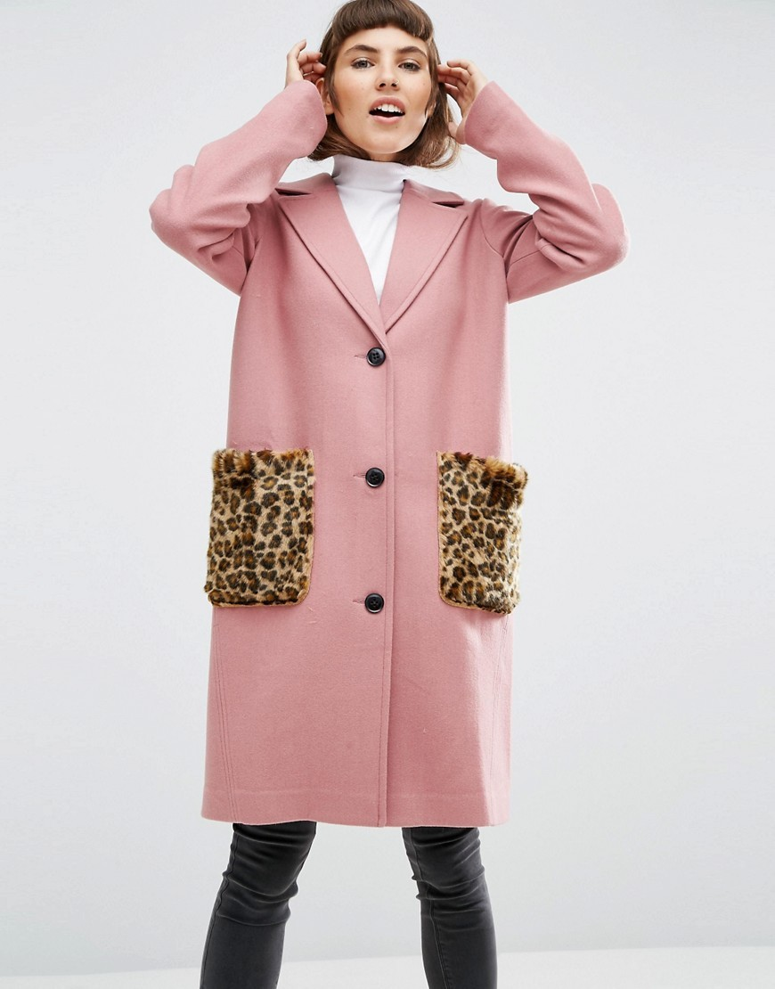 Coat In Wool Blend With Faux Fur Leopard Pockets Pink - style: single breasted; collar: standard lapel/rever collar; length: mid thigh; predominant colour: pink; secondary colour: camel; occasions: casual, creative work; fit: straight cut (boxy); fibres: wool - mix; hip detail: subtle/flattering hip detail; sleeve length: long sleeve; sleeve style: standard; collar break: medium; pattern type: fabric; pattern size: standard; pattern: animal print; texture group: woven bulky/heavy; embellishment: fur; season: a/w 2016; wardrobe: highlight; trends: opulent prints, oversized outerwear