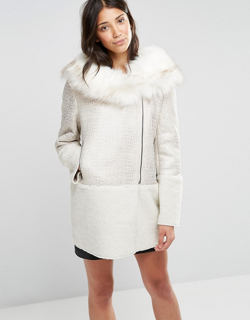 Coat With Faux Fur Collar Cream - pattern: plain; collar: shawl/waterfall; style: wrap around; fit: slim fit; length: mid thigh; predominant colour: ivory/cream; occasions: casual, creative work; fibres: polyester/polyamide - 100%; sleeve length: long sleeve; sleeve style: standard; collar break: high; pattern type: fabric; texture group: woven bulky/heavy; wardrobe: basic; season: a/w 2016