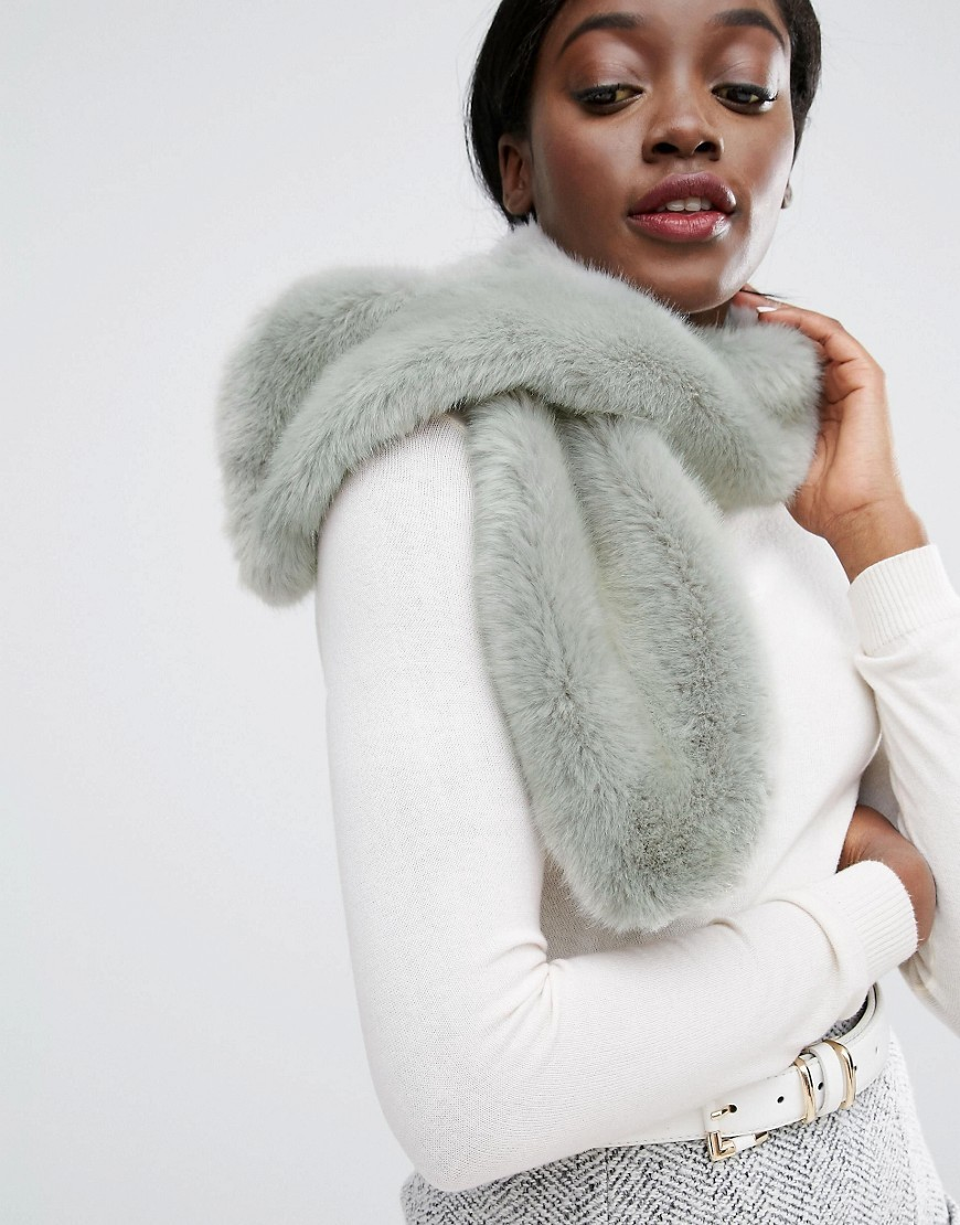 Faux Fur Scarf Sky Grey - predominant colour: light grey; occasions: casual, creative work; type of pattern: standard; size: standard; material: fur; pattern: plain; style: stole; wardrobe: basic; season: a/w 2016