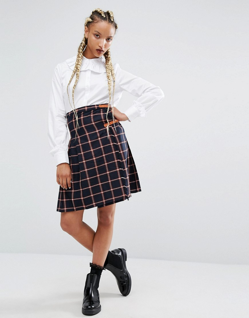 Campus Skirt In Check Navy - pattern: checked/gingham; waist: high rise; style: kilt; secondary colour: blush; predominant colour: navy; occasions: casual; length: just above the knee; fibres: polyester/polyamide - mix; fit: straight cut; pattern type: fabric; texture group: woven light midweight; multicoloured: multicoloured; season: a/w 2016; wardrobe: highlight