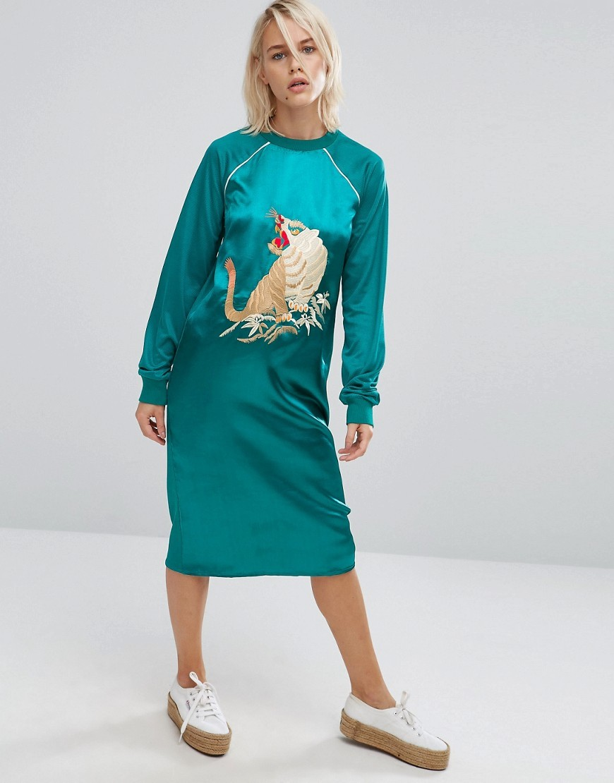 Satin Front Dress With Tiger Embroidery Green - style: shift; length: below the knee; predominant colour: turquoise; occasions: casual; fit: body skimming; fibres: polyester/polyamide - 100%; neckline: crew; sleeve length: long sleeve; sleeve style: standard; texture group: structured shiny - satin/tafetta/silk etc.; pattern type: fabric; pattern: patterned/print; embellishment: embroidered; season: a/w 2016; wardrobe: highlight