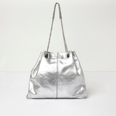 Womens Silver Leather Chain Bag - predominant colour: silver; occasions: casual; type of pattern: standard; style: shoulder; length: shoulder (tucks under arm); size: oversized; material: leather; pattern: plain; finish: metallic; season: a/w 2016; wardrobe: highlight