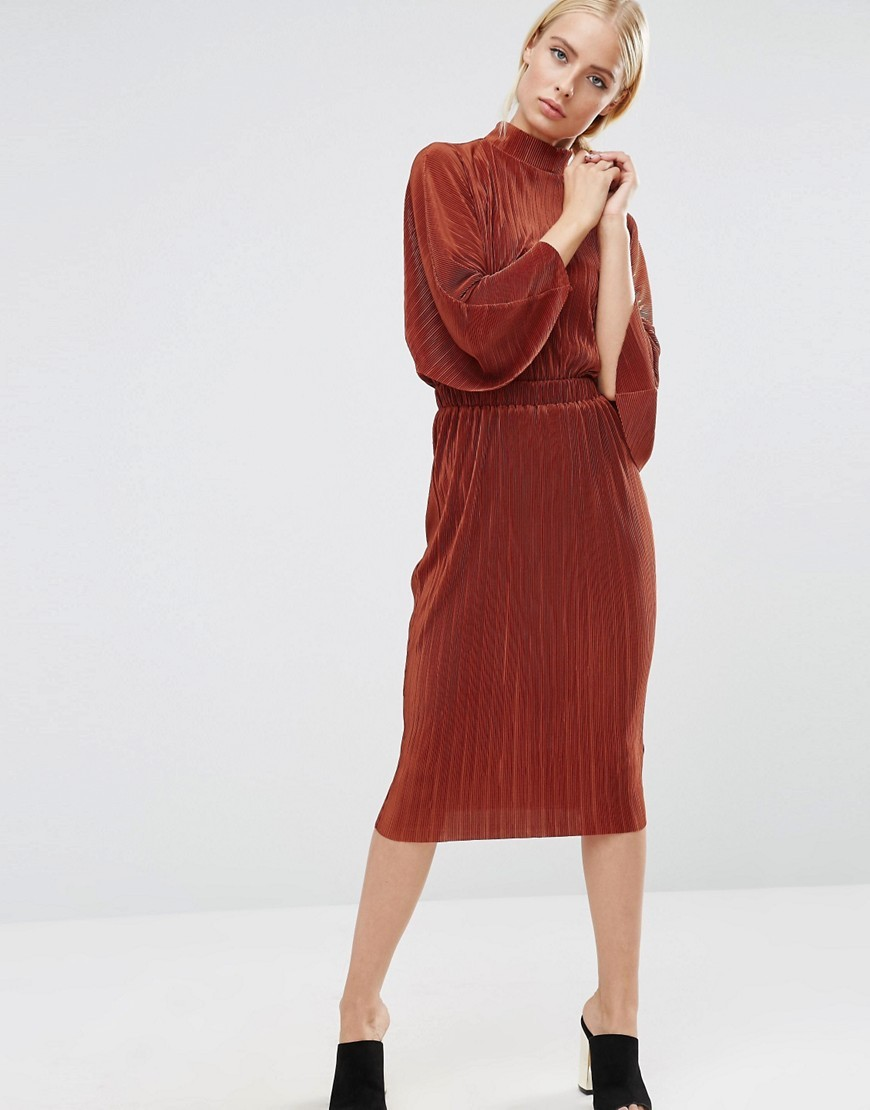 Plisse Dress With High Neck Rust - style: shift; length: below the knee; sleeve style: dolman/batwing; pattern: plain; neckline: high neck; predominant colour: terracotta; occasions: evening; fit: body skimming; fibres: polyester/polyamide - 100%; sleeve length: long sleeve; texture group: sheer fabrics/chiffon/organza etc.; pattern type: fabric; season: a/w 2016; wardrobe: event