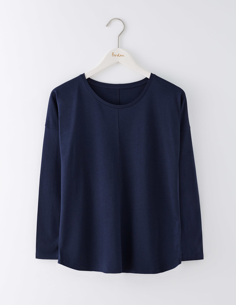 Supersoft Relaxed Top Navy Women, Navy - pattern: plain; predominant colour: navy; occasions: casual; length: standard; style: top; fibres: cotton - mix; fit: loose; neckline: crew; sleeve length: long sleeve; sleeve style: standard; pattern type: fabric; texture group: jersey - stretchy/drapey; wardrobe: basic; season: a/w 2016