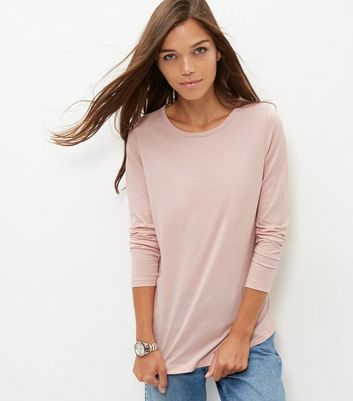 Mid Pink Crew Neck Long Sleeve T Shirt - pattern: plain; style: t-shirt; predominant colour: blush; occasions: casual; length: standard; fibres: polyester/polyamide - mix; fit: body skimming; neckline: crew; sleeve length: long sleeve; sleeve style: standard; pattern type: fabric; texture group: jersey - stretchy/drapey; wardrobe: basic; season: a/w 2016