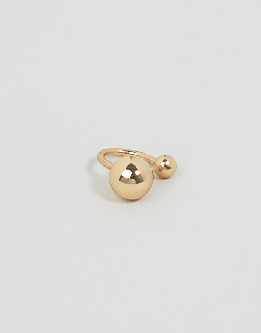 Double Ball Ear Cuff Gold - predominant colour: gold; occasions: evening; style: cuff; size: large/oversized; material: chain/metal; finish: metallic; season: a/w 2016; wardrobe: event