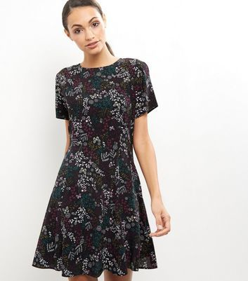 Black Floral Print Short Sleeve Dress - secondary colour: mid grey; predominant colour: black; occasions: evening; length: just above the knee; fit: fitted at waist & bust; style: fit & flare; fibres: viscose/rayon - 100%; neckline: crew; sleeve length: short sleeve; sleeve style: standard; pattern type: fabric; pattern: patterned/print; texture group: jersey - stretchy/drapey; multicoloured: multicoloured; season: a/w 2016; wardrobe: event