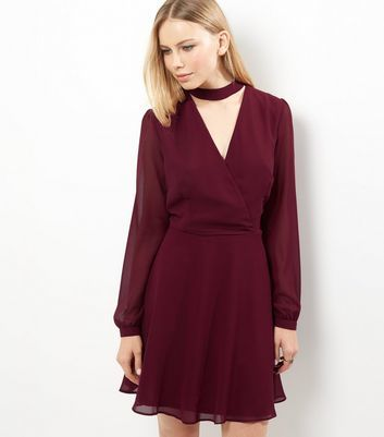 Burgundy Chiffon Choker Neck Wrap Front Dress - style: faux wrap/wrap; neckline: v-neck; pattern: plain; predominant colour: burgundy; occasions: evening; length: just above the knee; fit: body skimming; fibres: polyester/polyamide - 100%; sleeve length: long sleeve; sleeve style: standard; texture group: sheer fabrics/chiffon/organza etc.; pattern type: fabric; season: a/w 2016; wardrobe: event