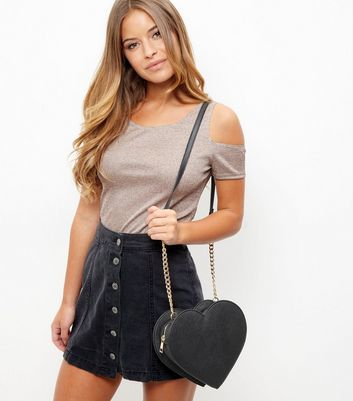 Black Heart Chain Shoulder Bag - predominant colour: black; occasions: casual, creative work; type of pattern: standard; style: shoulder; length: across body/long; size: standard; material: faux leather; pattern: plain; finish: plain; wardrobe: investment; season: a/w 2016