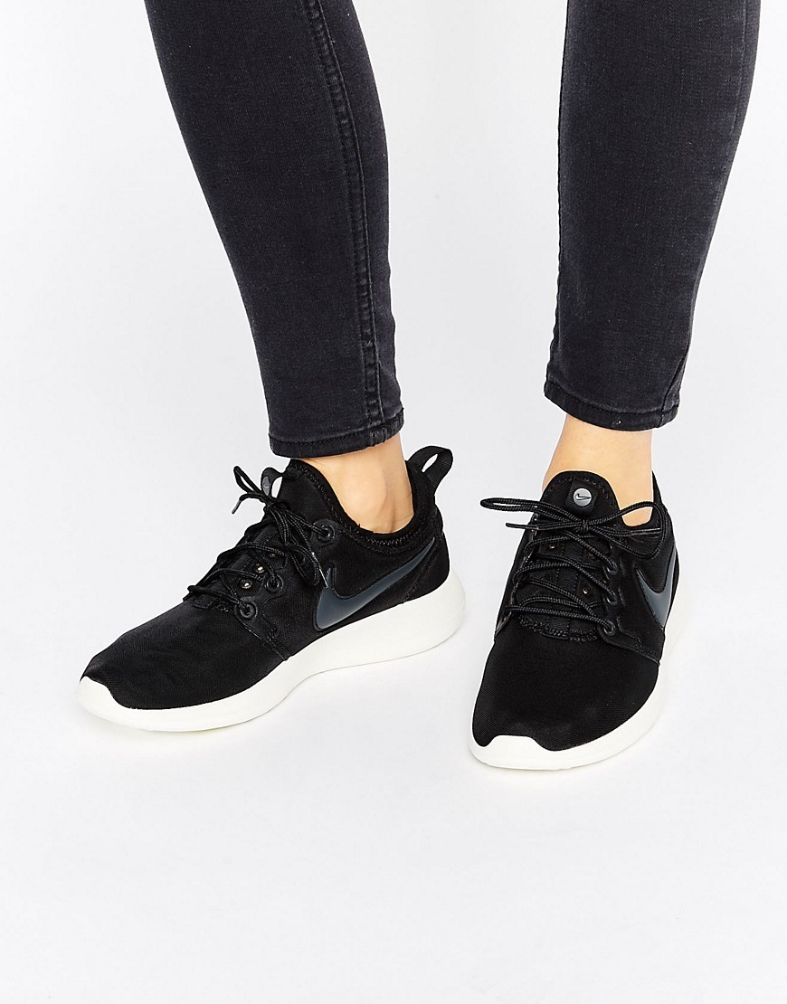 Roshe 2 Trainers In Black Black/Anthracite Sai - predominant colour: black; occasions: casual; material: suede; heel height: flat; toe: round toe; style: trainers; finish: plain; pattern: plain; wardrobe: basic; season: a/w 2016