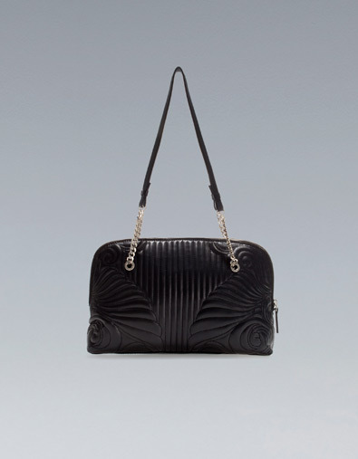 Quilted Citybag - predominant colour: black; occasions: casual, evening, work; type of pattern: light; style: shoulder; length: shoulder (tucks under arm); size: standard; material: faux leather; embellishment: quilted; season: a/w 2012
