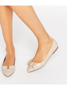 Nessy Bow Point Flat Shoes Nude - predominant colour: nude; occasions: casual, work, creative work; material: faux leather; heel height: flat; toe: pointed toe; style: ballerinas / pumps; finish: plain; pattern: plain; embellishment: bow; wardrobe: basic; season: a/w 2016