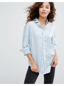 Relaxed Boyfriend Shirt Washed Blue - neckline: shirt collar/peter pan/zip with opening; pattern: plain; style: shirt; predominant colour: pale blue; occasions: casual, creative work; length: standard; fibres: cotton - 100%; fit: loose; sleeve length: long sleeve; sleeve style: standard; texture group: cotton feel fabrics; pattern type: fabric; season: a/w 2016; wardrobe: highlight