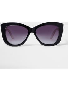 Womens Black Cat Eye Purple Tint Sunglasses - secondary colour: purple; predominant colour: black; occasions: casual, holiday; style: cateye; size: standard; material: plastic/rubber; pattern: plain; finish: plain; multicoloured: multicoloured; wardrobe: basic; season: s/s 2017